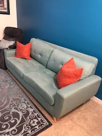 Couch Downey, 90241