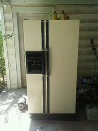 Kenmore side-by-side refrigerator with dispenser Greenville, 29611