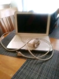 Mac book clean good condition 400 obo Roseville, 48066