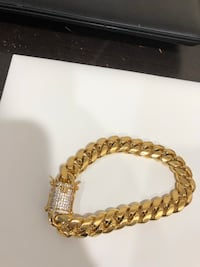 18k gold plated chain and bracelet set 99$ New York, 10021