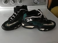 pair of black-and-white Nike basketball shoes West Sand Lake, 12196