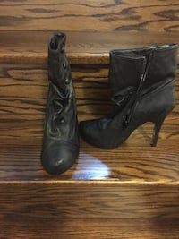 Eeuc high heel booties size 8.