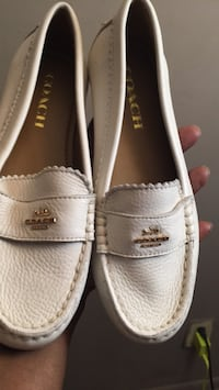 Cream colored coach Shoes size 5 Capitol Heights, 20743
