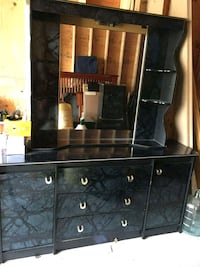 Dresser with mirror with two night stands  Toronto, M1B 2J6