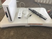 white Nintendo Wii console with controller Ottawa, K1V