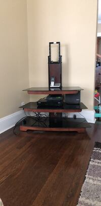"""Black and brown tv stand hold up to 42"""" tv Bridgeport, 06606"""