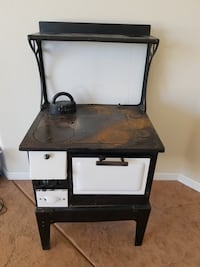Antique stove Grand Junction, 81507