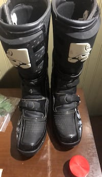 pair of black snowboard boots Abbotsford, V2S 1R9