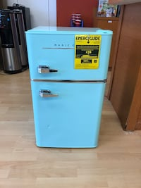 NEW Magic Chef Retro Mini Fridge