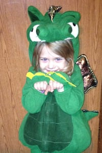 Halloween! 2t 3t old navy green dinosaur costume Albany, 42602