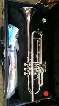 stainless steel trumpet in case Temple Hills, 20748