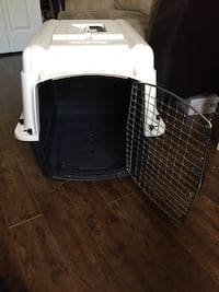 White and black pet carrier Waterloo, N2V 2H7