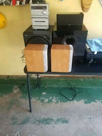Stereo with speakers  Buffalo Grove, 60089