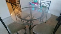 round glass top table with black metal base Newark, 19711