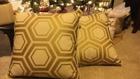 2 beige and brown beehive print pillow Pensacola, 32504