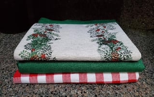 Table Cloths and Runner - Holiday