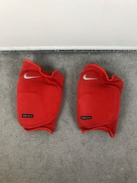 2 Piece Red Nike Dri-Fit Kneepads Drifit Dry Fit Knee Pads Volleyball