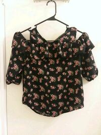 black and red floral scoop-neck shirt San Antonio, 78250