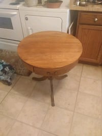 ( Antique )Brass foot antique Stand.. Taking up unnecessary space! Hagerstown