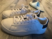 pair of white-and-blue Adidas sneakers 多伦多, M1S 0K5