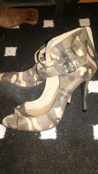 New Size 8 Green Camo Ankle Strap Stelletos