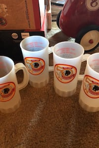 4 Redskins mugs Alexandria, 22310