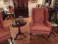 Wing back chairs in excellent condition Chantilly, 20151