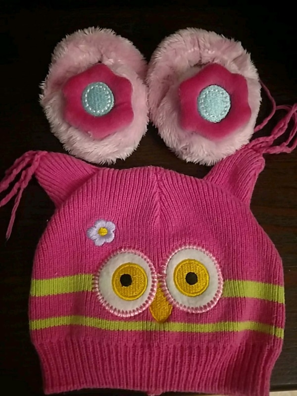 hat and slippers infant size 0-6 months