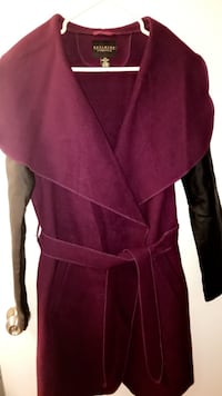 Revamped outwear coat medium size excellent condition Vancouver, V6G 2G1