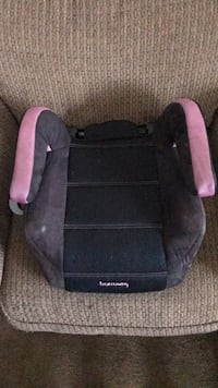 baby's black and pink car seat Lexington Park, 20670