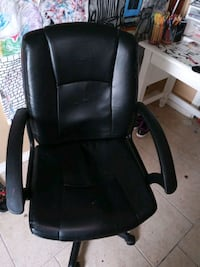 black leather office rolling armchair Corpus Christi, 78414