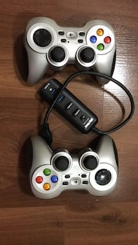 2 Gray logitech wireless game controllers Toronto, M6G 2A6