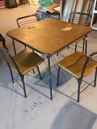 Card table. With 4 chairs Methuen, 01844