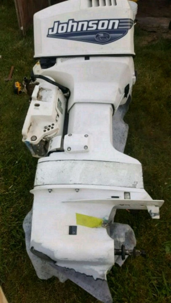 Johnson 115 outboard 2000 NEED IT GONE
