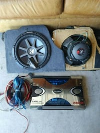 "12"" 2ohm kickers and amp with wiring Rio Rancho, 87124"