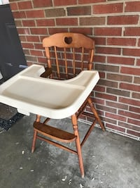 white and brown wooden high chair Roanoke, 24017
