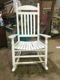 Rocking chair needs new home Foley, 36535