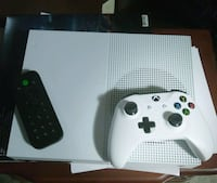Xbox One S 500 GB with games and accessories Newport