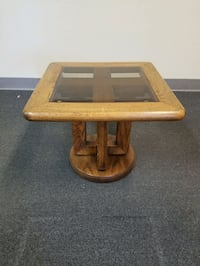 end table  Modesto, 95356