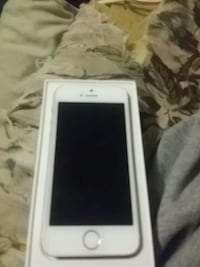 White and silver iPhone 5s Goodman, 64843