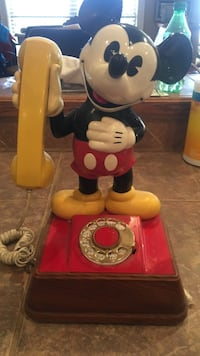 HIGHLY COLLECTIBLE Mickey Mouse rotary phone Conway, 72034