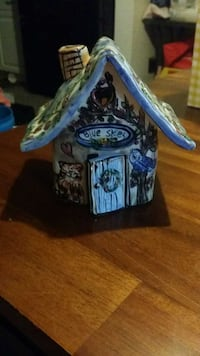 ceramic house that can light up  Hydes, 21082