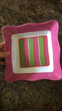 Pink party tray  bowl dish for snacks  chips Southside, 37171