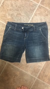 Size 4 American Eagle, great condition, non smoking no holds, halls meet only Knoxville, 37938