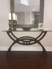 Brooklyn 3 piece coffee table set. Solid wood and detailed glass. Paid over 800 at the brick and asking $350 or best offer  Bradford West Gwillimbury, L3Z 0J9