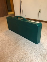 Folding picnic table for traveling