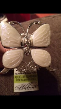 New butterfly glade plug-in $10 North Highlands, 95660