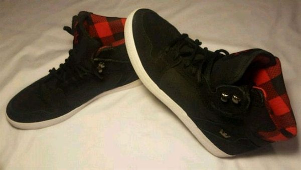 Shoes. High top. SUPRA. size 10. Like new