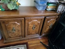 Dining room buffet w/hutch and chairs.