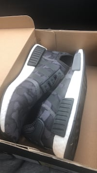 Pair of gray adidas nmd shoes Roy, 98433